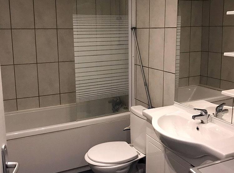 Salle de bain maison esprit loft Nevers